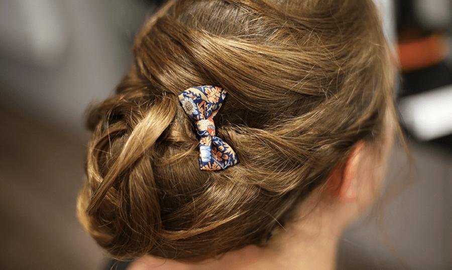 Petit noeud pour coiffure de mariage