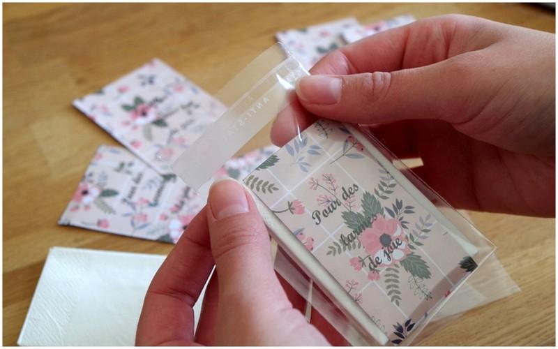 DIY facile pour une cérémonie laïque : les pochettes à mouchoirs