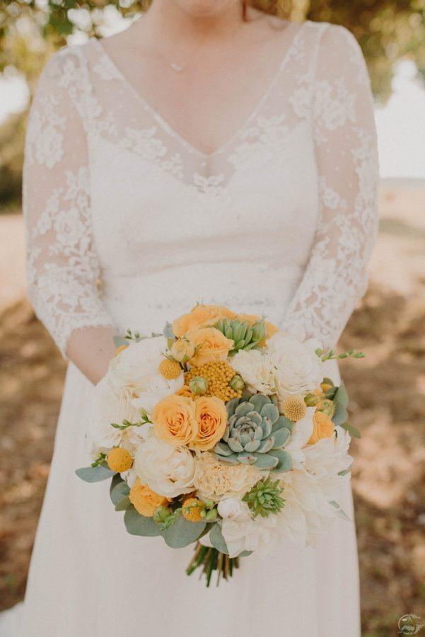 bouquet de mariee avec succulente pour un mariage acidulé