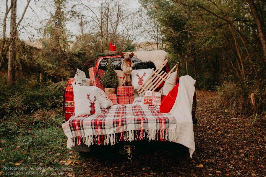 Pick-up américain comme voiture du père Noël