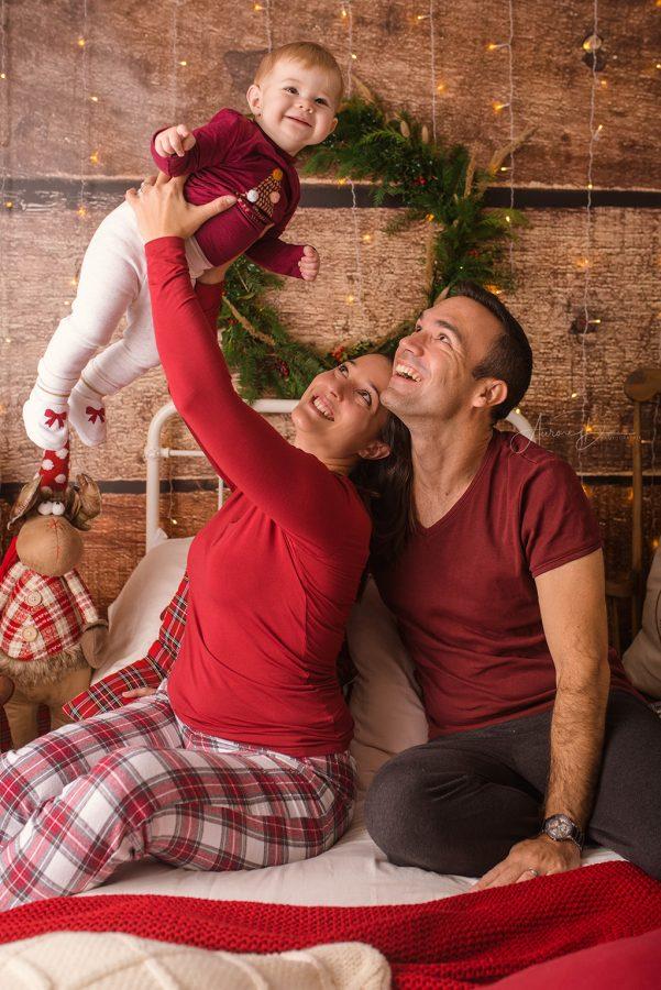 Création de décor pour séance photo de Noël en famille sur Tours