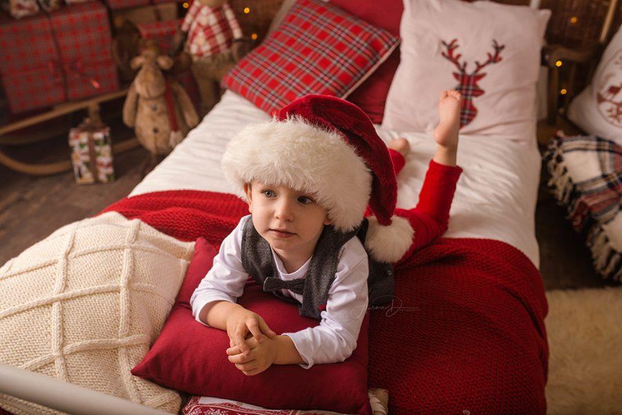 bonnet du père Noel et décor de noel