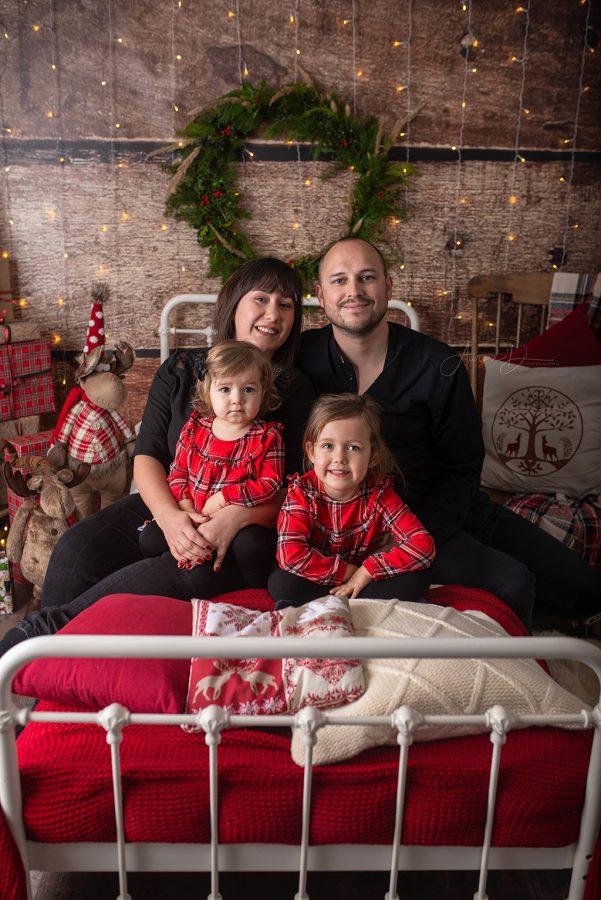 Décoratrice pour séance photo de Noël en famille sur Tours