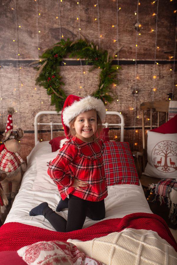 création de décor pour séance photo de Noël - petite fille
