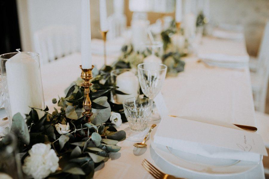 Se marier en Touraine avec une guirlande végétale